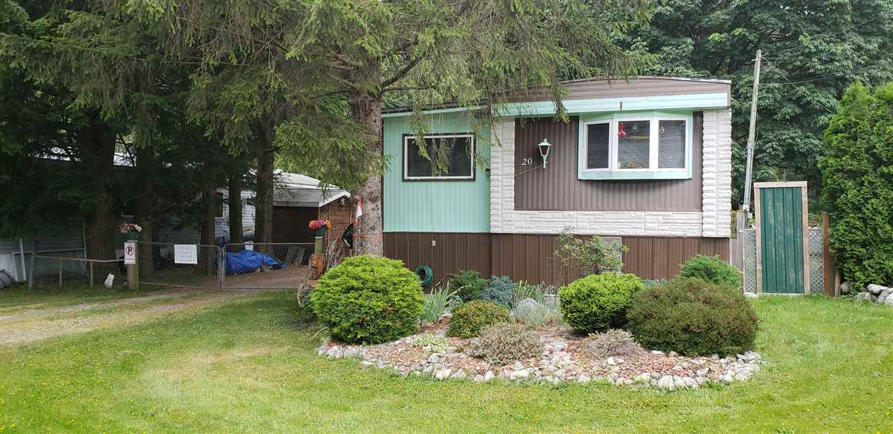 "Main Photo: 20 41495 N NICOMEN Road in Mission: Dewdney Deroche Manufactured Home for sale in ""Lakahamen Park"" : MLS®# R2382043"