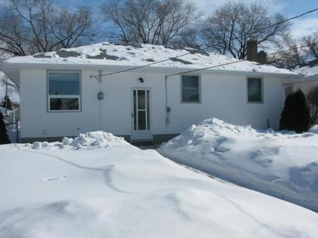 Photo 3: Photos: 1138 ROTHESAY ST in Winnipeg: Residential for sale (North Kildonan)  : MLS®# 1103917