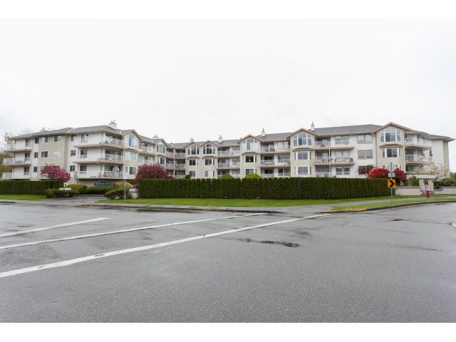"Main Photo: 212 20600 53A Avenue in Langley: Langley City Condo for sale in ""RIVER GLEN ESTATES"" : MLS®# R2053509"