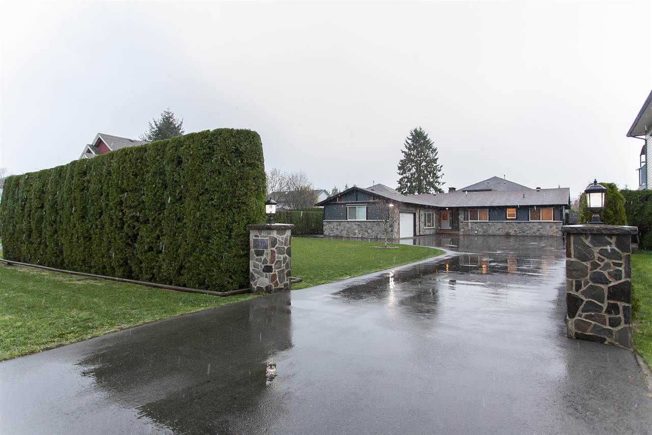 Main Photo: 5110 214 Street in Langley: Murrayville House for sale : MLS®# R2126801