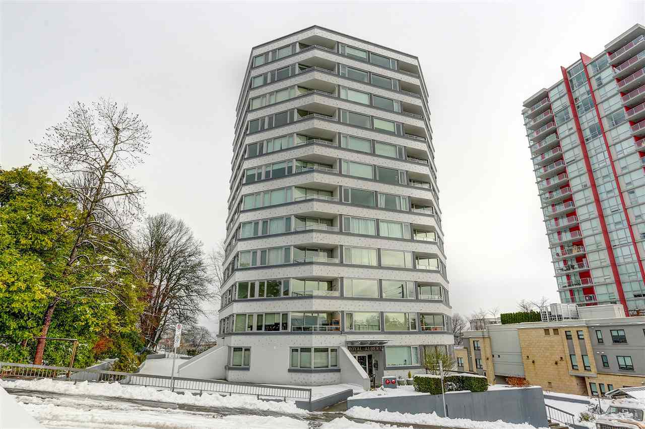 "Main Photo: 404 31 ELLIOT Street in New Westminster: Downtown NW Condo for sale in ""ROYAL ALBERT TOWERS"" : MLS®# R2128522"