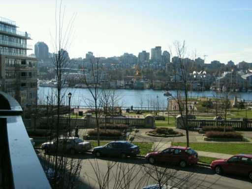 """Main Photo: 465 BEACH Crescent in Vancouver: False Creek North Townhouse for sale in """"PARKWEST I"""" (Vancouver West)  : MLS®# V627544"""