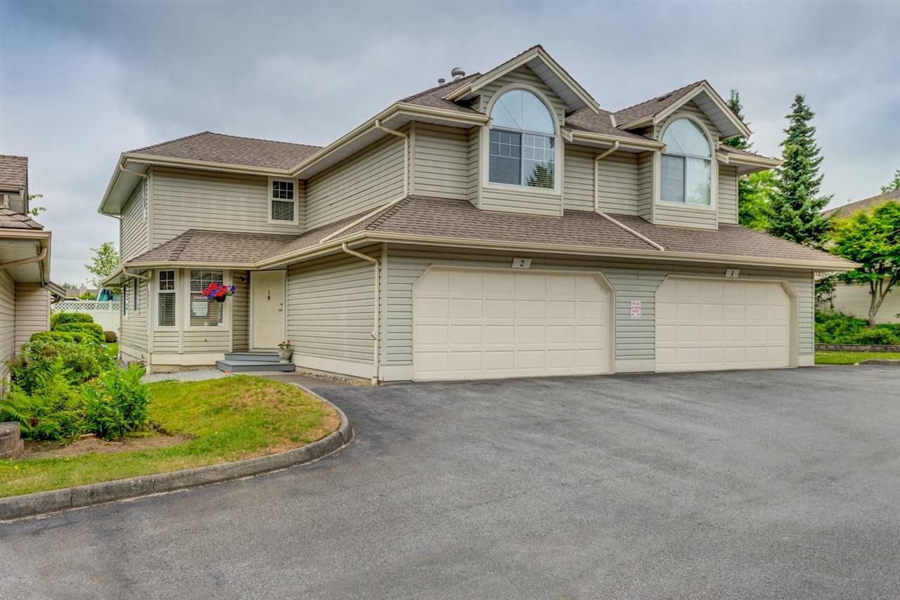 """Main Photo: 2 11485 227 Street in Maple Ridge: East Central Townhouse for sale in """"Poolside Villas"""" : MLS®# R2295824"""