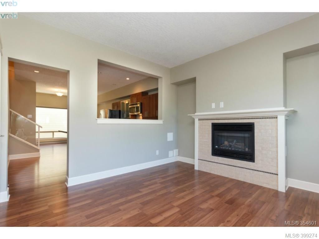 Main Photo: 203 785 Station Avenue in VICTORIA: La Langford Proper Townhouse for sale (Langford)  : MLS®# 399274