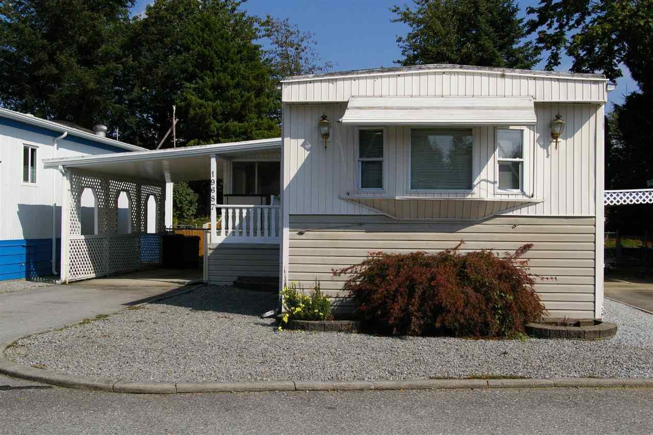 "Main Photo: 35 19687 POPLAR Drive in Pitt Meadows: Central Meadows Manufactured Home for sale in ""MEADOW HIGHLAND MOBILE PARK"" : MLS®# R2309025"