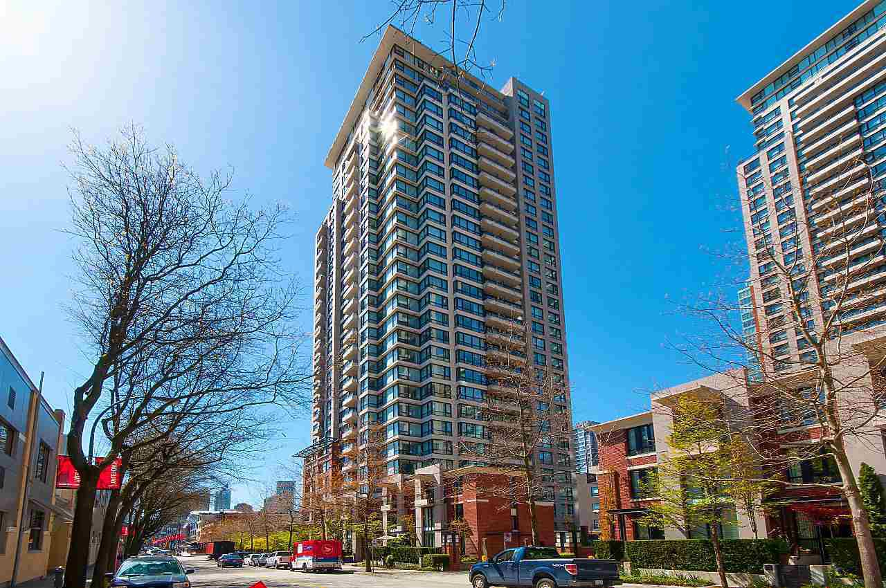 "Main Photo: 2203 977 MAINLAND Street in Vancouver: Yaletown Condo for sale in ""Yaletown Park III"" (Vancouver West)  : MLS®# R2312985"