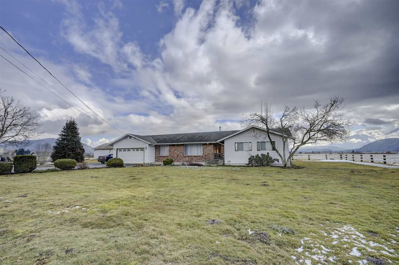 Main Photo: 6126 BLACKBURN Road in Sardis - Greendale: Greendale Chilliwack House for sale (Sardis)  : MLS®# R2349022