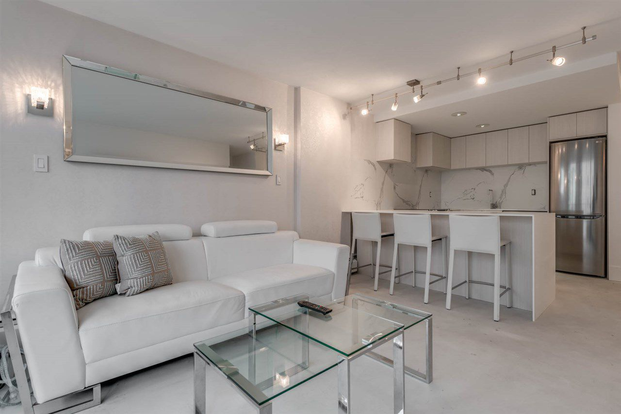 """Main Photo: 302 1251 CARDERO Street in Vancouver: Downtown VW Condo for sale in """"SURFCREST"""" (Vancouver West)  : MLS®# R2352438"""