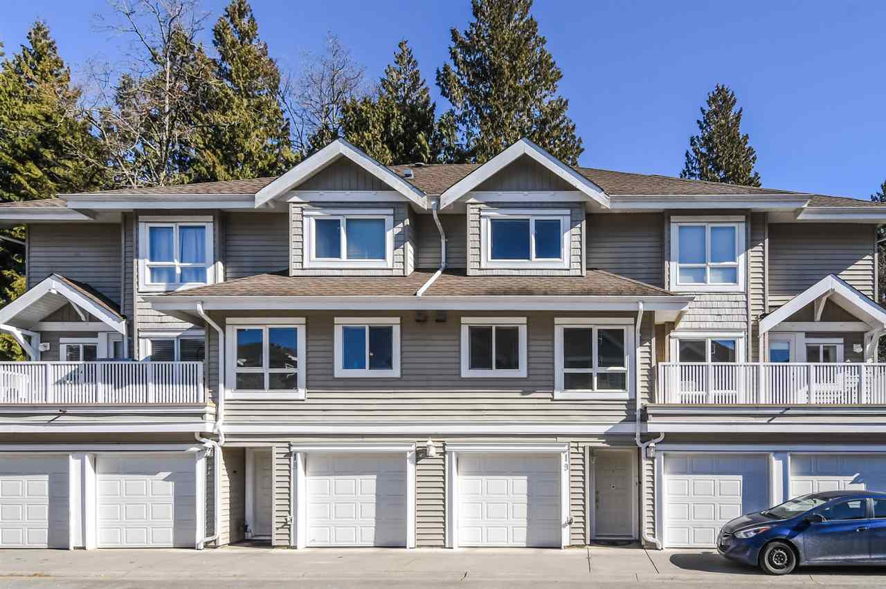 """Main Photo: 19 8968 208 Street in Langley: Walnut Grove Townhouse for sale in """"Cambridge Court"""" : MLS®# R2359676"""