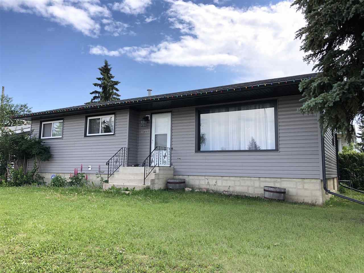 Main Photo: 10723 104 Street: Westlock House for sale : MLS®# E4163768