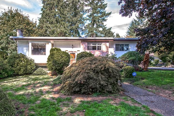 Main Photo: 1425 LEMAX Avenue in Coquitlam: Central Coquitlam House for sale : MLS®# R2003016