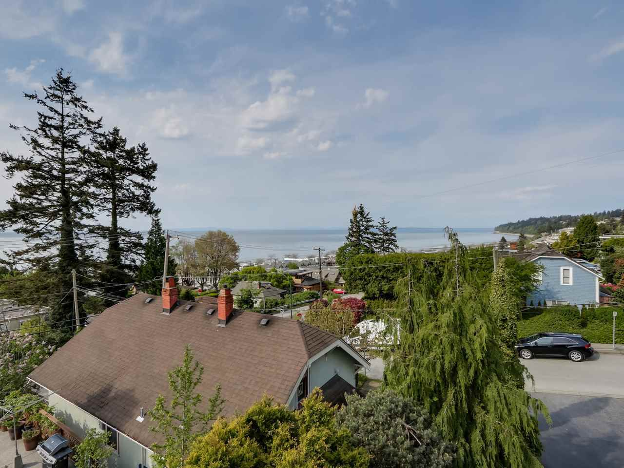 "Main Photo: 1216 EVERALL Street: White Rock House for sale in ""WHITE ROCK HILLSIDE"" (South Surrey White Rock)  : MLS®# R2061873"