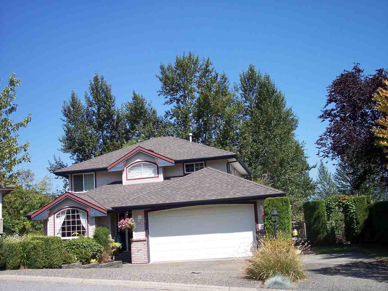 """Main Photo: 36127 WALTER Road in Abbotsford: Abbotsford East House for sale in """"MOUNTAIN VILLAGE"""" : MLS®# R2097399"""