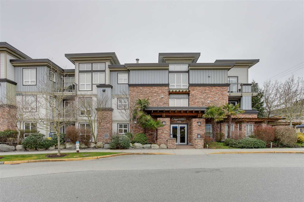 Main Photo: 106 1175 55 Street in Delta: Tsawwassen Central Condo for sale (Tsawwassen)  : MLS®# R2148801