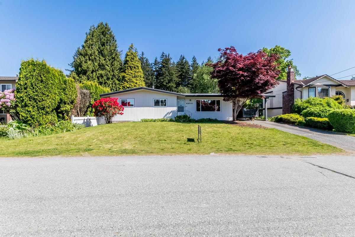 "Main Photo: 32741 BOULT Avenue in Abbotsford: Abbotsford West House for sale in ""CENTRAL ABBOTSFORD"" : MLS®# R2169635"