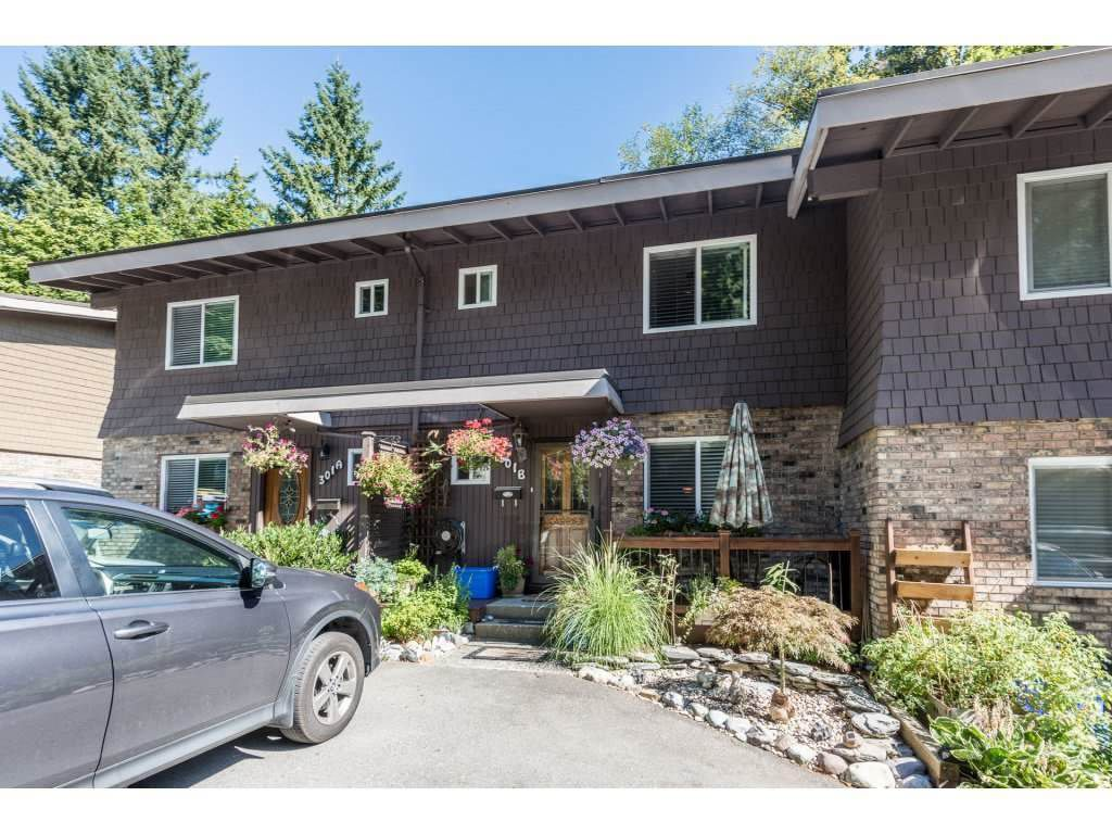 Main Photo: 301B EVERGREEN Drive in Port Moody: College Park PM Townhouse for sale : MLS®# R2207879