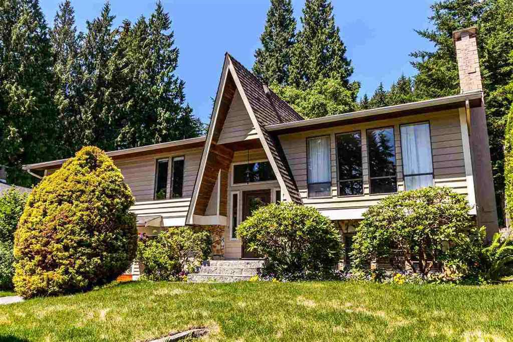 Main Photo: 3833 PRINCESS Avenue in North Vancouver: Princess Park House for sale : MLS®# R2217361