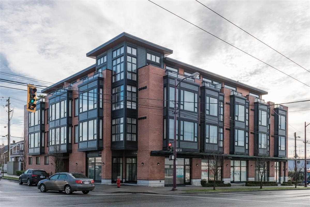 """Main Photo: 311 2008 E 54TH Avenue in Vancouver: Fraserview VE Condo for sale in """"CEDAR 54"""" (Vancouver East)  : MLS®# R2232716"""