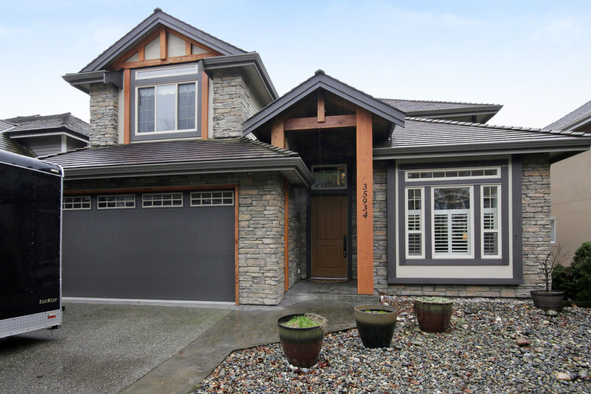 Main Photo: 35934 REGAL Parkway in Abbotsford: Abbotsford East House for sale : MLS®# R2235544