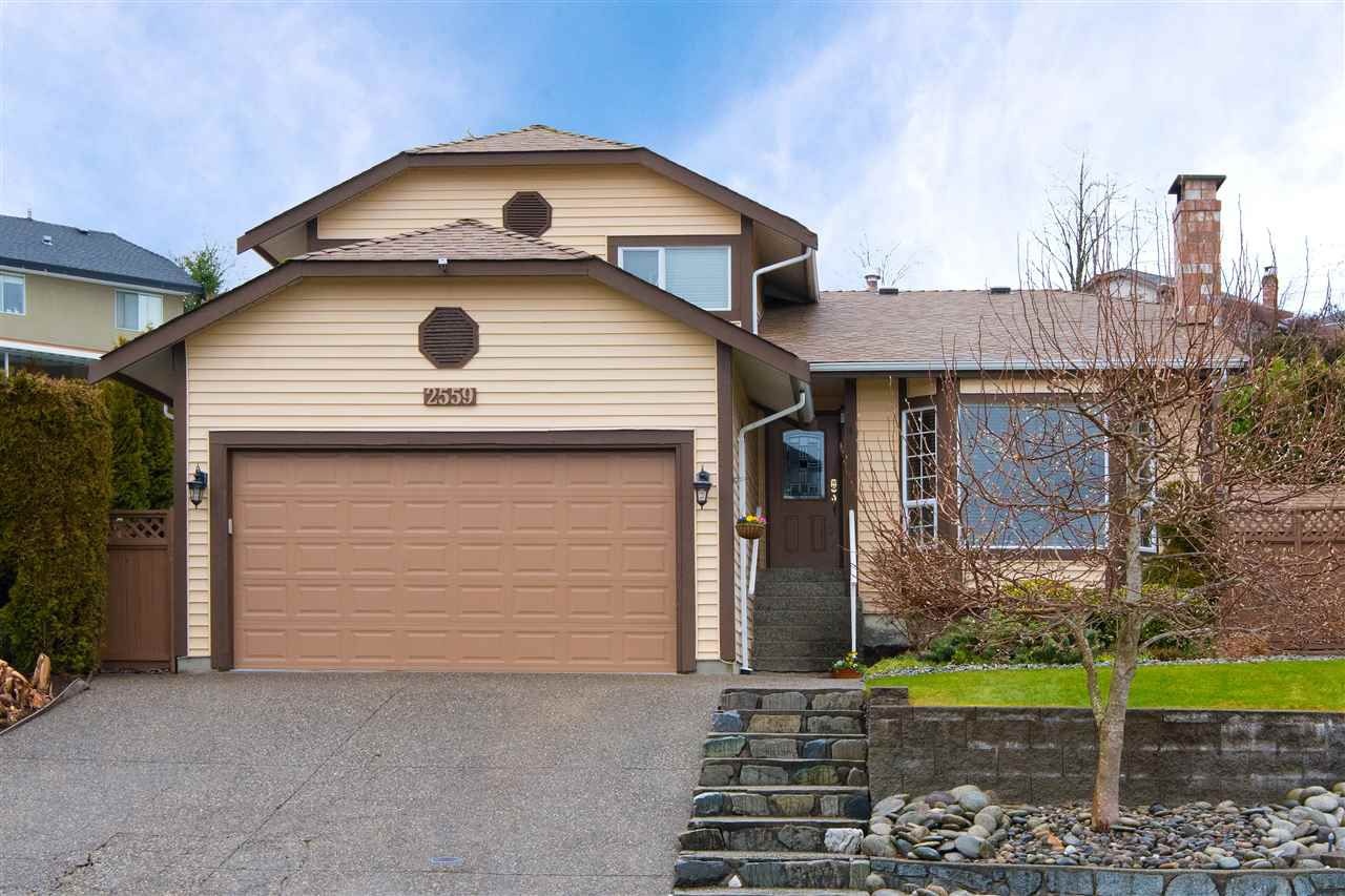 Main Photo: 2559 JASMINE Court in Coquitlam: Summitt View House for sale : MLS®# R2247124