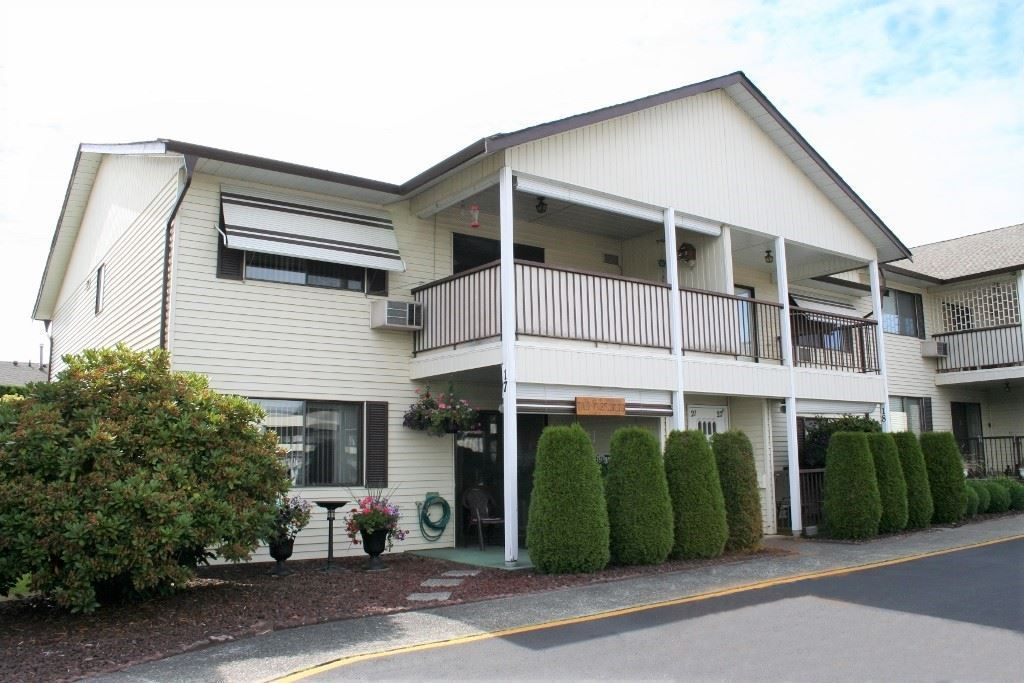 """Main Photo: 17 32959 GEORGE FERGUSON Way in Abbotsford: Central Abbotsford Townhouse for sale in """"Oakhurst Park"""" : MLS®# R2288325"""
