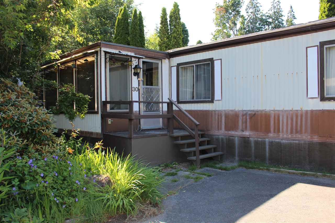 """Main Photo: 30 1123 FLUME Road: Roberts Creek Manufactured Home for sale in """"IKELON MOBILE HOME PARK"""" (Sunshine Coast)  : MLS®# R2291630"""