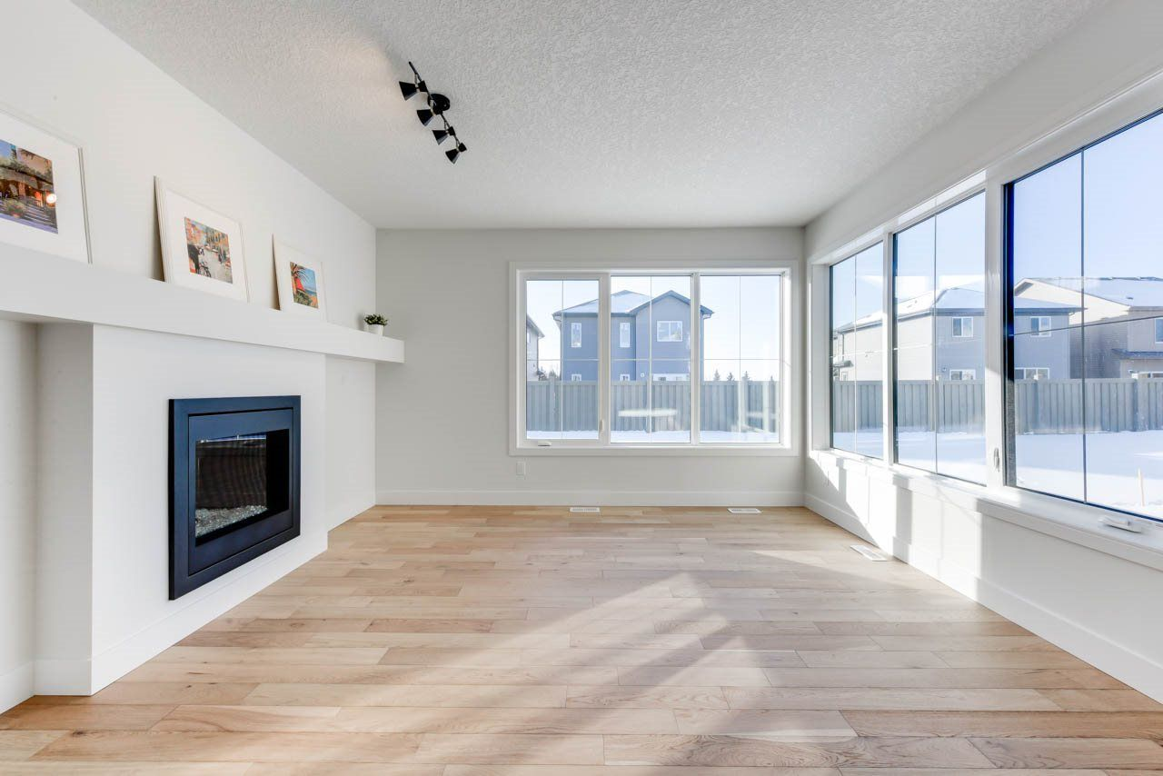 Main Photo: 6329 CRAWFORD Link in Edmonton: Zone 55 House for sale : MLS®# E4155414