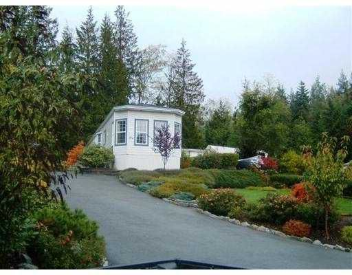 """Main Photo: 17A 1123 FLUME RD in Roberts_Creek: Roberts Creek Manufactured Home for sale in """"IKELON MOBILE HOME PARK"""" (Sunshine Coast)  : MLS®# V564290"""