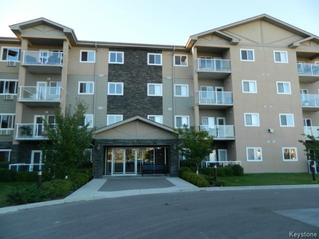 Main Photo: 230 Fairhaven Road in WINNIPEG: River Heights / Tuxedo / Linden Woods Condominium for sale (South Winnipeg)  : MLS®# 1407579