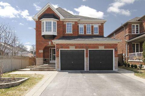 Main Photo: 3120 Country Lane in Whitby: Williamsburg House (2-Storey) for sale : MLS®# E2890036