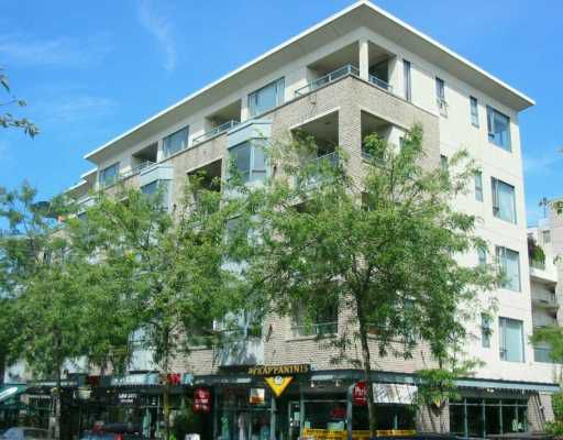 """Main Photo: 1688 CYPRESS Street in Vancouver: Kitsilano Condo for sale in """"YORKVILLE"""" (Vancouver West)  : MLS®# V609107"""