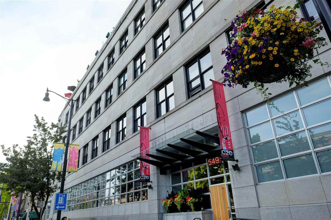"""Main Photo: 511 549 COLUMBIA Street in New Westminster: Downtown NW Condo for sale in """"C2C LOFTS"""" : MLS®# R2089522"""