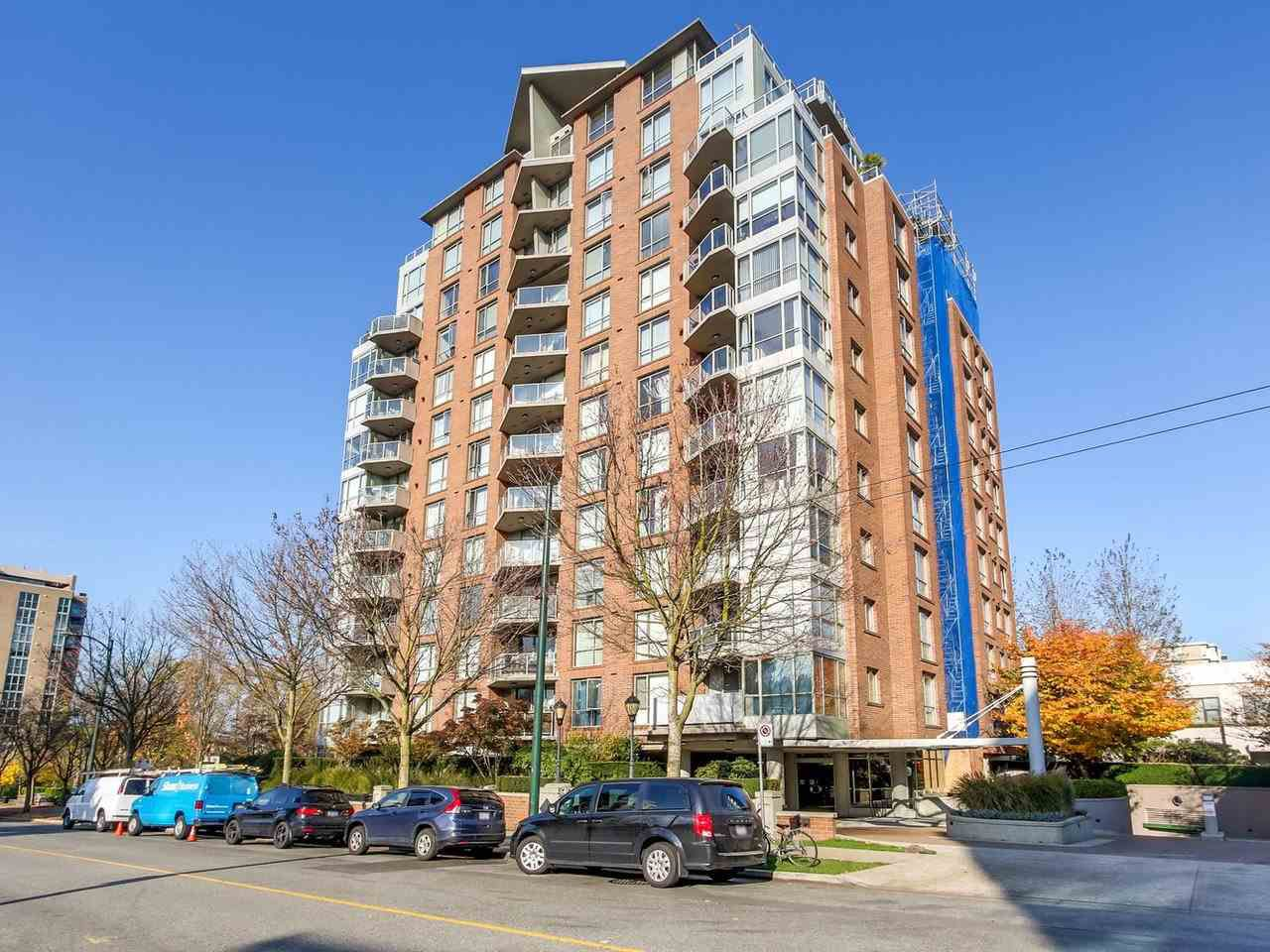 """Main Photo: 102 1575 W 10TH Avenue in Vancouver: Fairview VW Condo for sale in """"THE TRITON"""" (Vancouver West)  : MLS®# R2218519"""