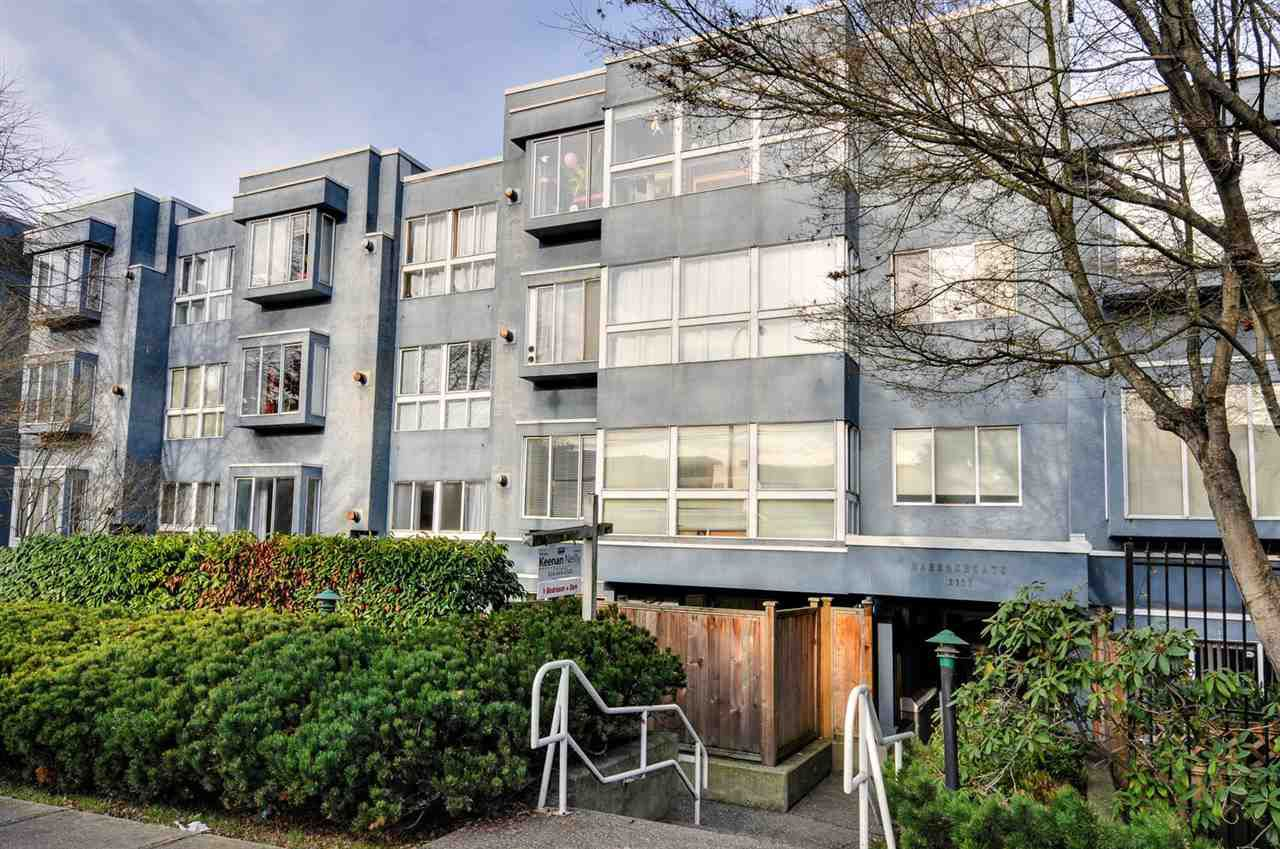 """Main Photo: 208 2133 DUNDAS Street in Vancouver: Hastings Condo for sale in """"HARBOUR GATE"""" (Vancouver East)  : MLS®# R2227783"""