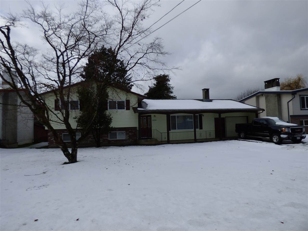 "Main Photo: 10595 MCDONALD Road in Chilliwack: Fairfield Island House for sale in ""Fairfield Island"" : MLS®# R2230416"