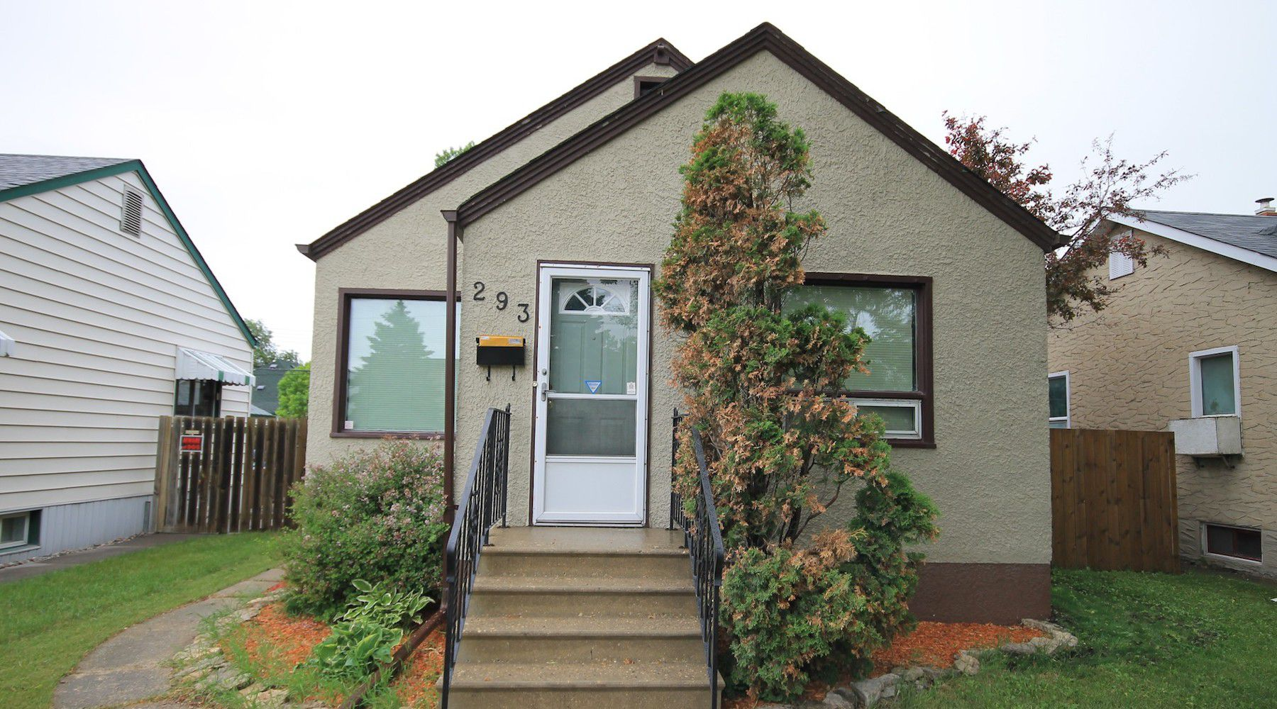 Main Photo: 293 St. Mary's Road in Winnipeg: Norwood Residential for sale (2B)  : MLS®# 1815982