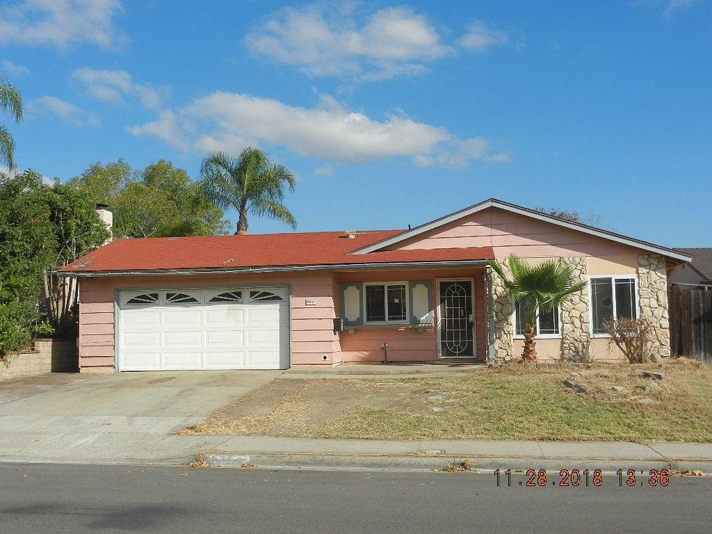 Main Photo: SANTEE House for sale : 4 bedrooms : 9847 Via Rita