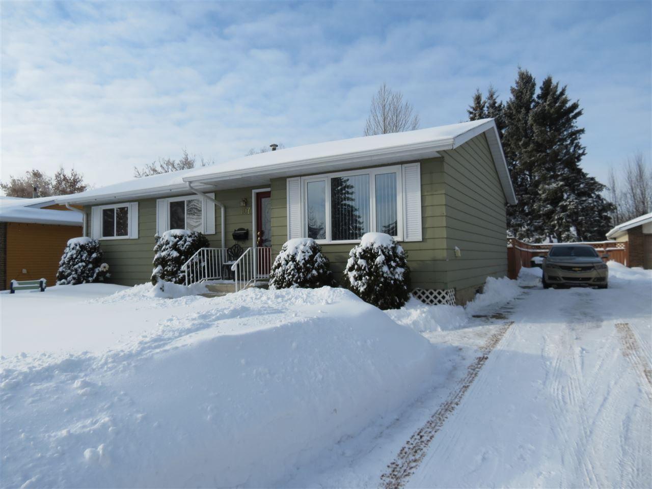 Main Photo: 107 Grandin Drive: Morinville House for sale : MLS®# E4143366