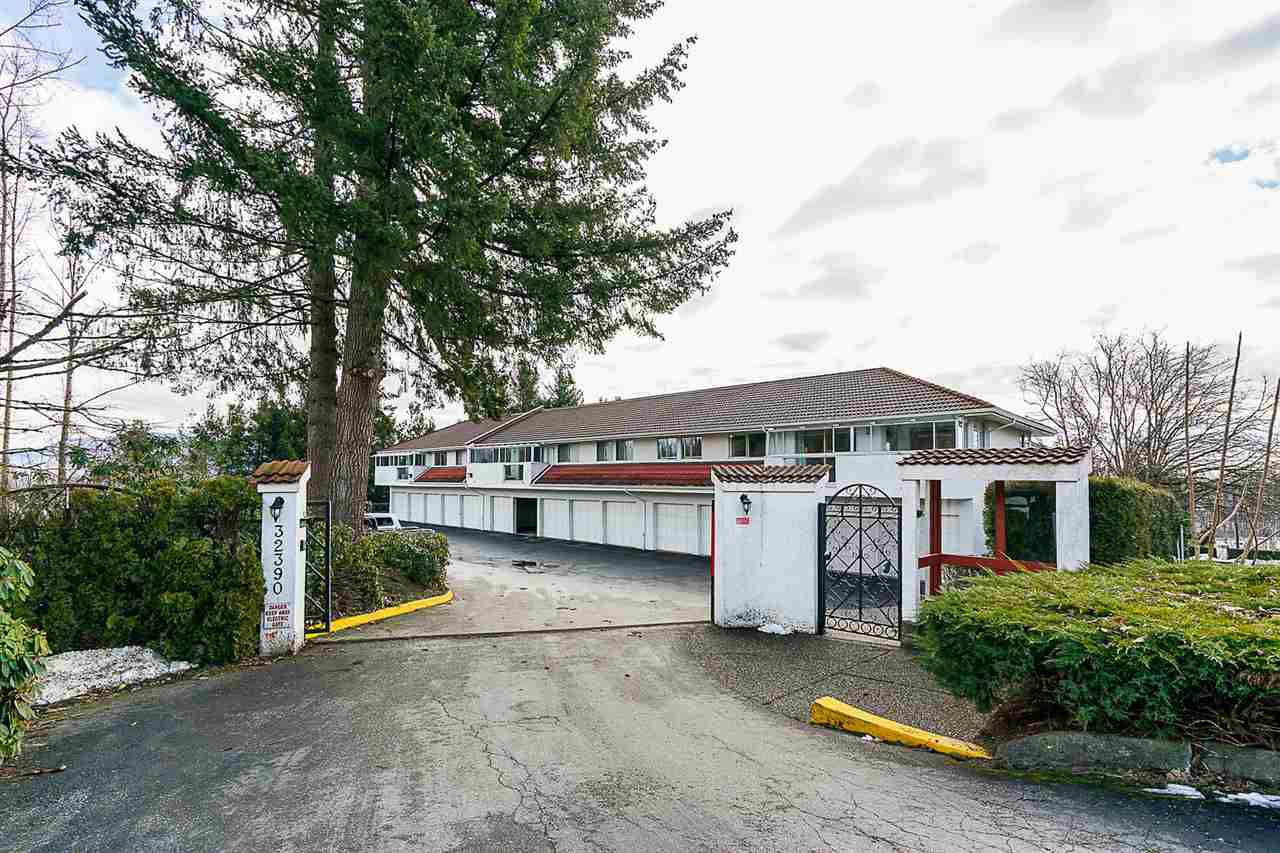 "Main Photo: 8 32390 FLETCHER Avenue in Mission: Mission BC Condo for sale in ""The Courtlands"" : MLS®# R2343882"