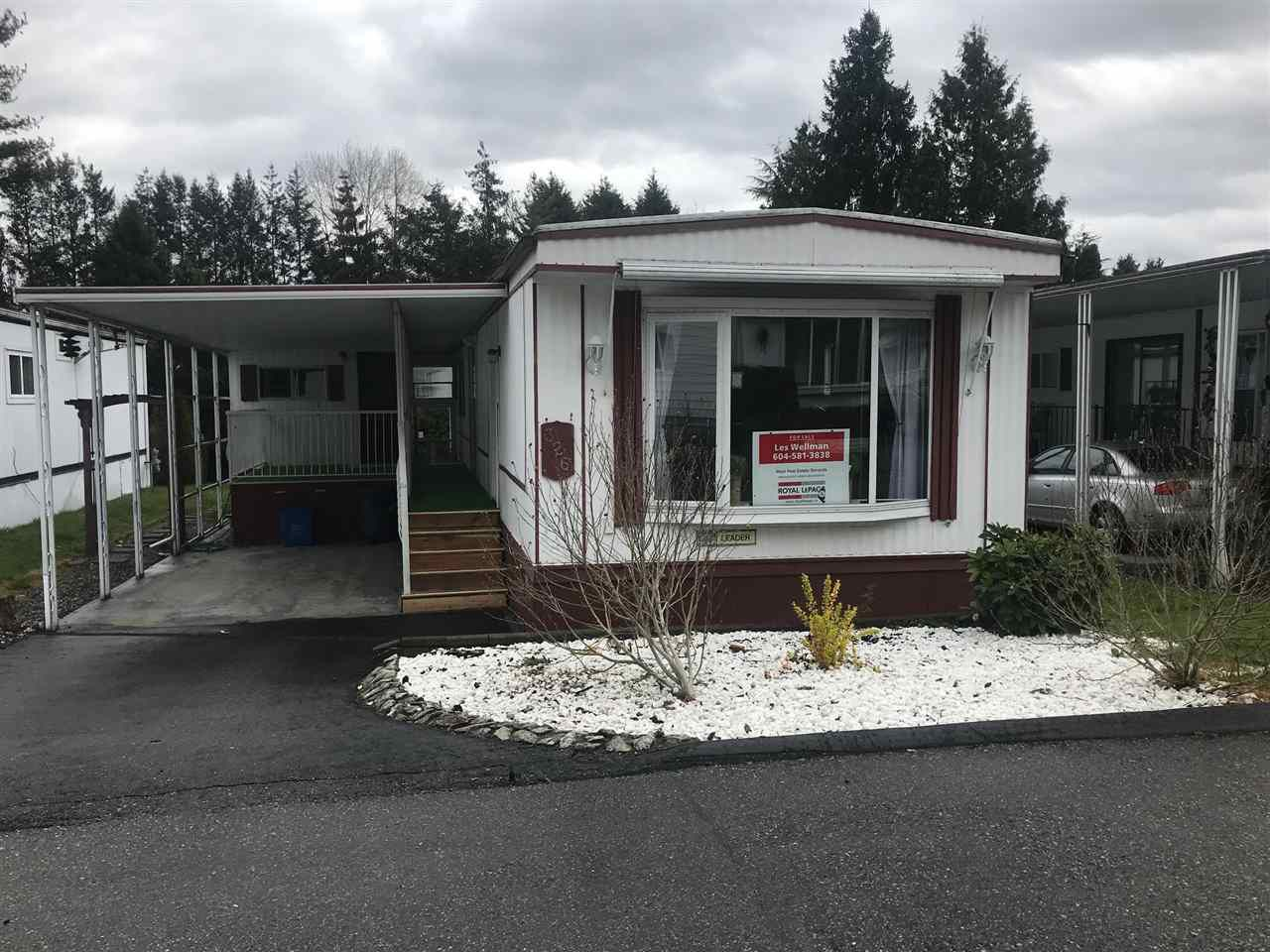 """Main Photo: 28 7850 KING GEORGE Boulevard in White Rock: East Newton Manufactured Home for sale in """"Bear Creek Glen"""" (Surrey)  : MLS®# R2355895"""