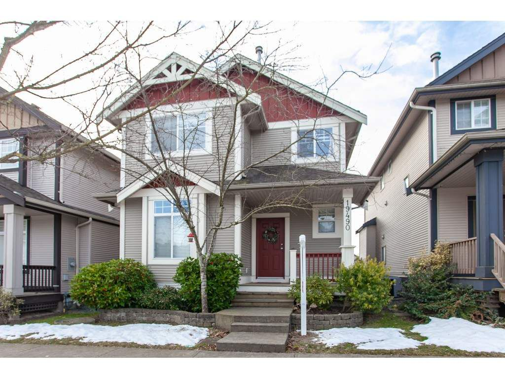 """Main Photo: 19490 67A Avenue in Surrey: Clayton House for sale in """"COPPER CREEK"""" (Cloverdale)  : MLS®# R2360682"""
