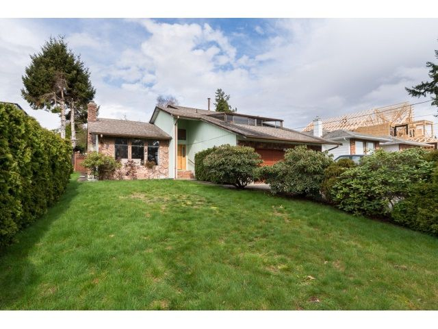 Main Photo: 13249 14A Avenue in Surrey: Crescent Bch Ocean Pk. House for sale (South Surrey White Rock)  : MLS®# R2044545