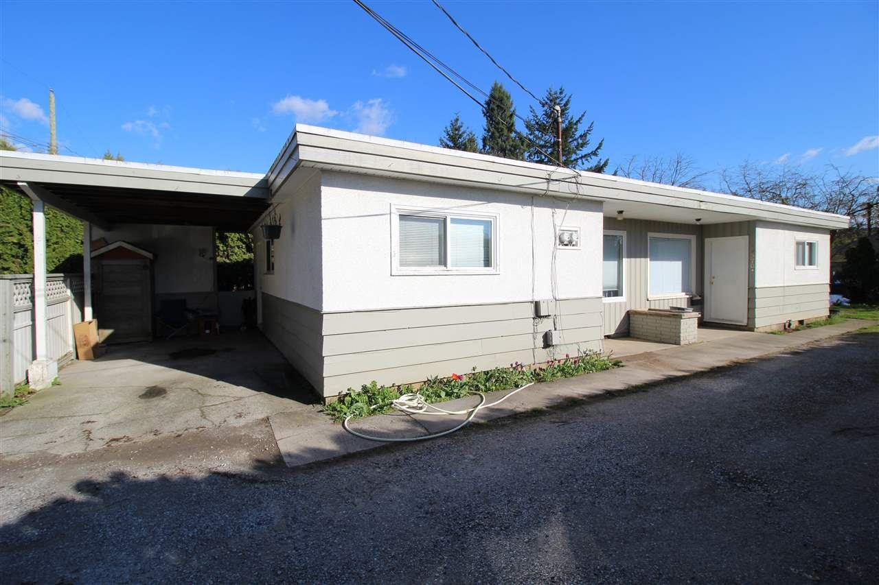 Main Photo: 33970 CAR-LIN Lane in Abbotsford: Central Abbotsford House Duplex for sale : MLS®# R2050575