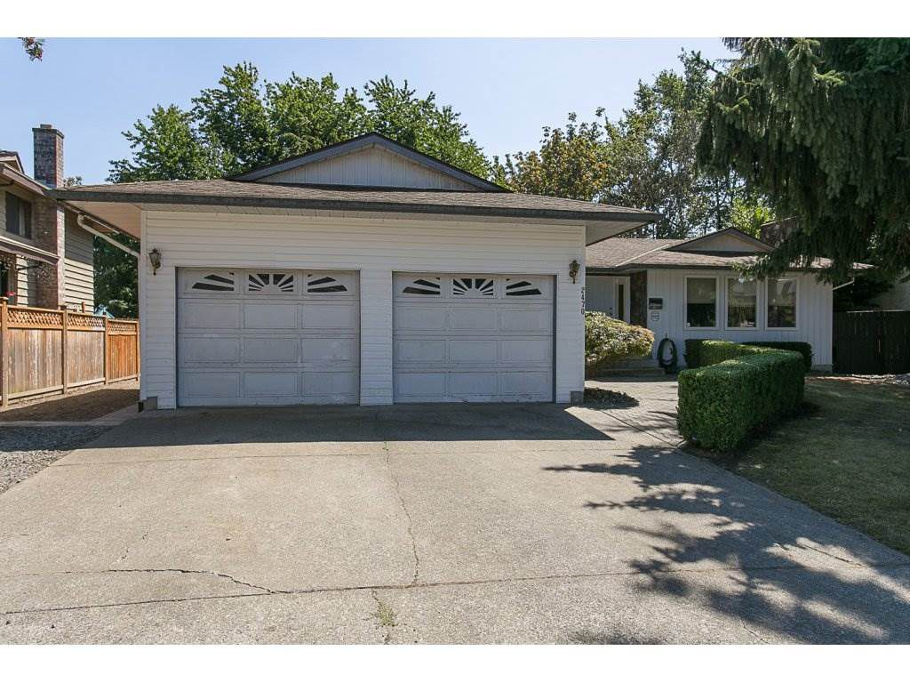 Main Photo: 2470 SUNNYSIDE Place in Abbotsford: Abbotsford West House for sale : MLS®# R2101365