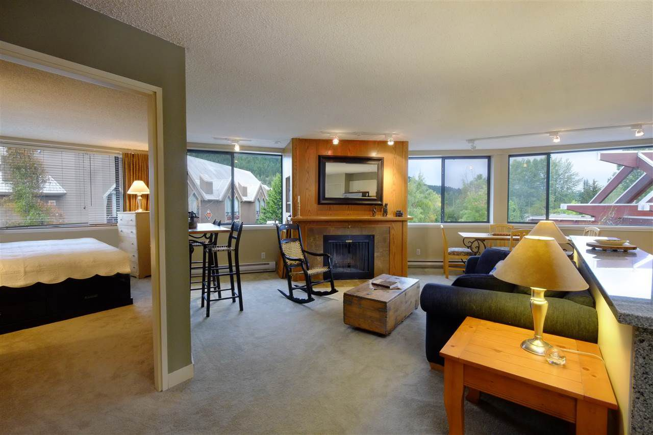 "Main Photo: 301 4111 GOLFERS APPROACH in Whistler: Whistler Village Condo for sale in ""WINDWHISTLER"" : MLS®# R2126720"