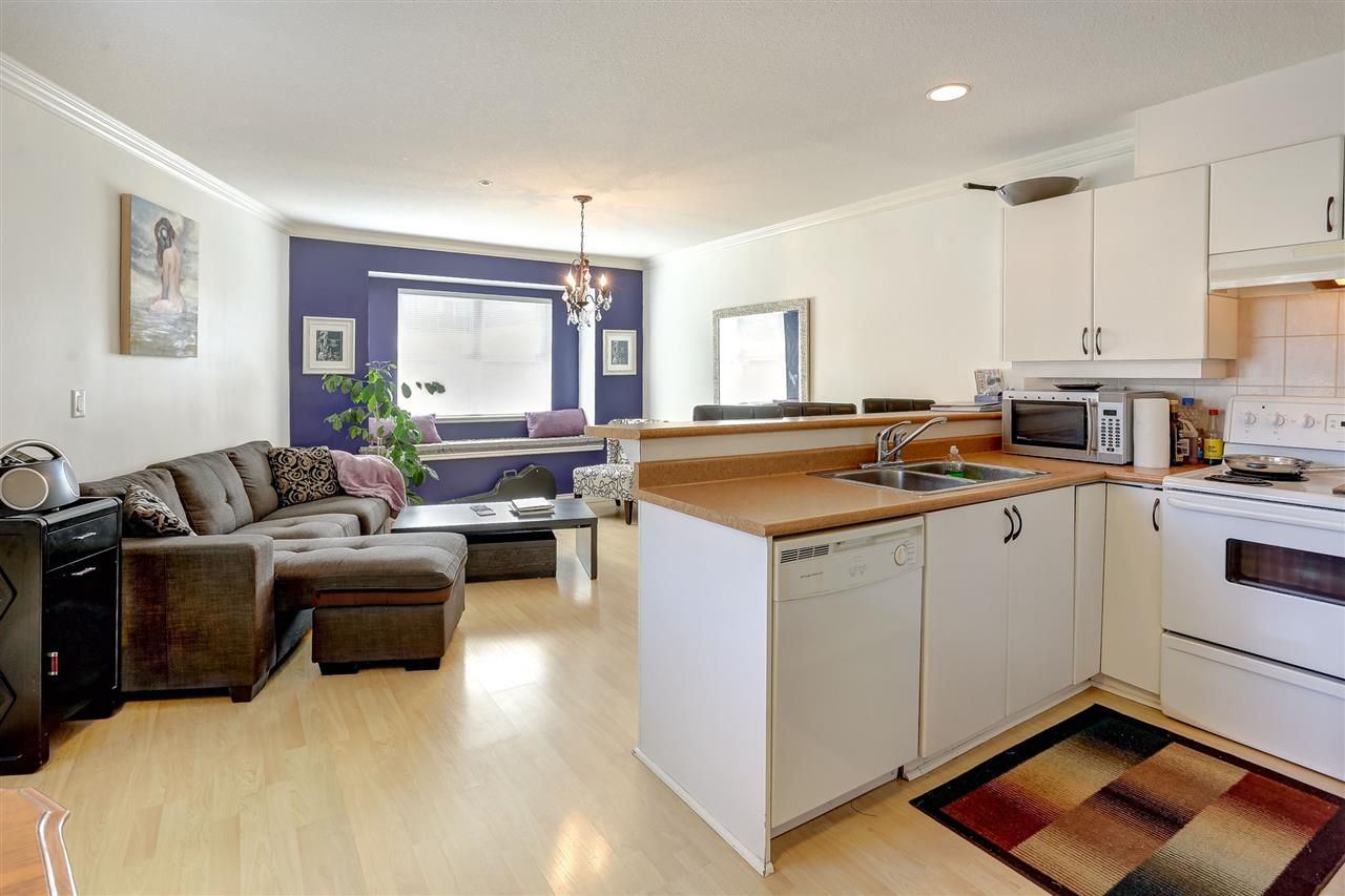 Main Photo: 2118 TRIUMPH Street in Vancouver: Hastings Townhouse for sale (Vancouver East)  : MLS®# R2137570