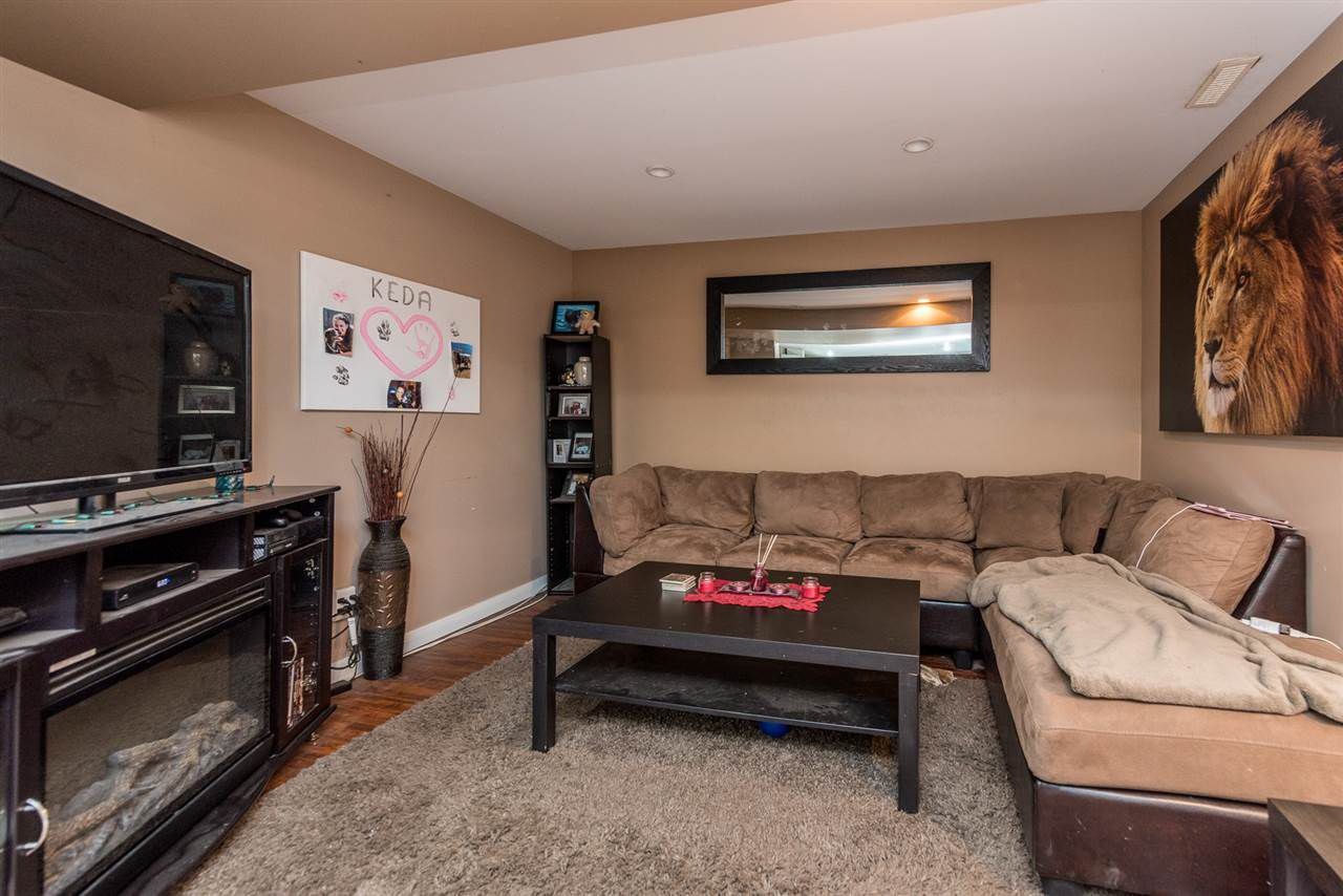 Photo 12: Photos: 1901 PITT RIVER Road in Port Coquitlam: Mary Hill House for sale : MLS®# R2190398