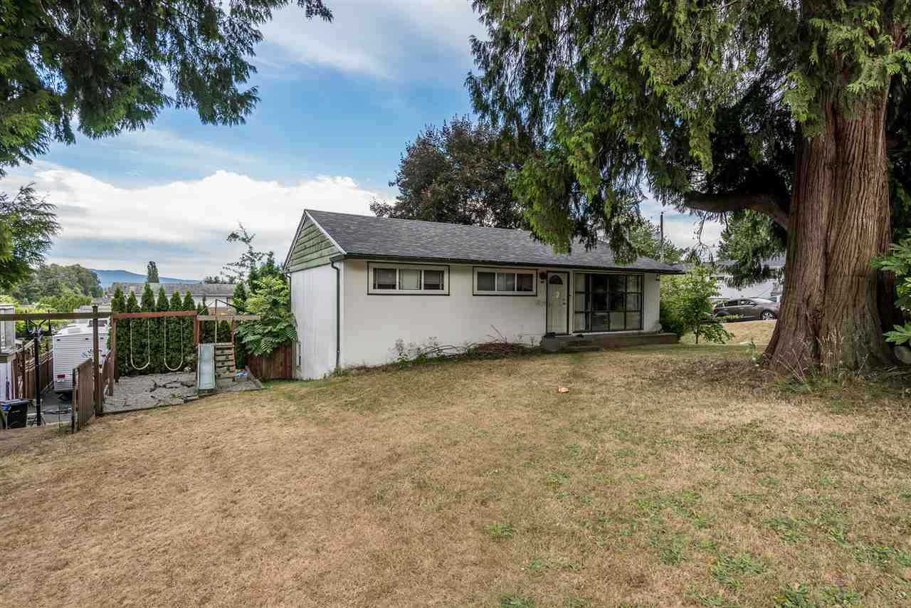 Photo 2: Photos: 1901 PITT RIVER Road in Port Coquitlam: Mary Hill House for sale : MLS®# R2190398