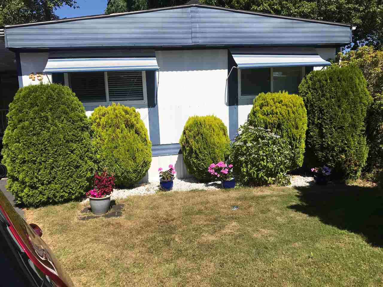 "Main Photo: 45 1840 160 Street in Surrey: King George Corridor Manufactured Home for sale in ""BREAKAWAY BAYS"" (South Surrey White Rock)  : MLS®# R2199024"