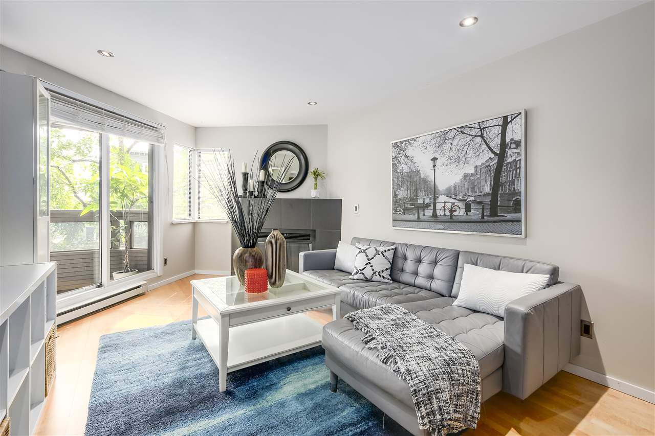 Main Photo: 202 2466 W 3RD Avenue in Vancouver: Kitsilano Condo for sale (Vancouver West)  : MLS®# R2204210